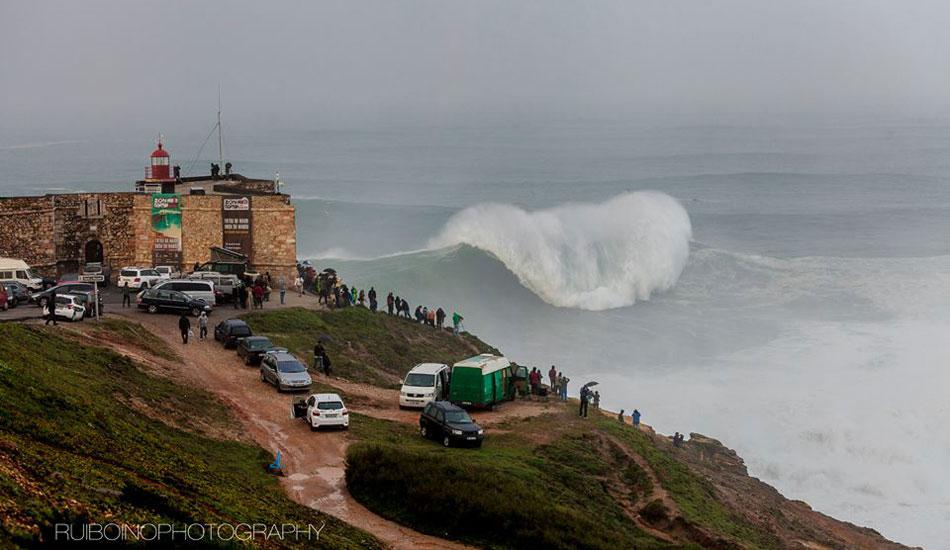 "Nazaré rears its heavy lip as it breaks top to bottom. Photo: <a href=\""https://www.facebook.com/RuiBoinoPhotography\"">Rui Boino</a>"