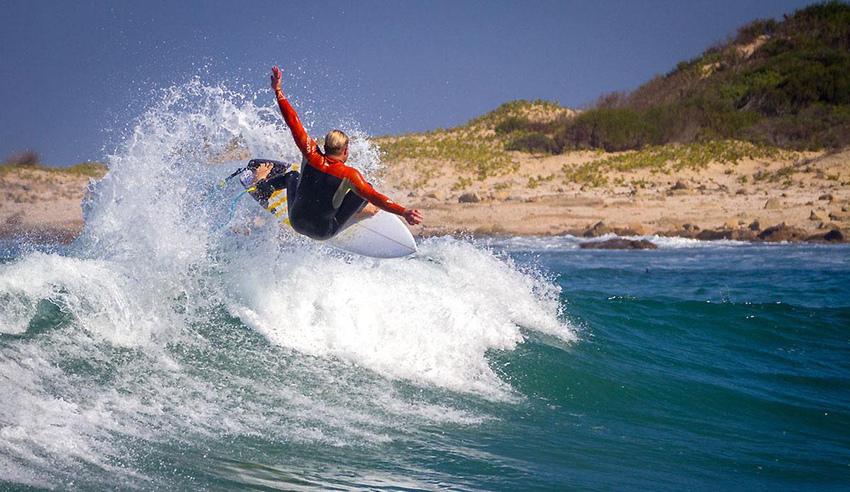 "Struan Wilkin wafting the tail inside the bay. Photo: <a href=\""https://www.facebook.com/pages/Pho-Tye-Studio/398591356893177?fref=nf\""> Tyerell Jordaan</a>"
