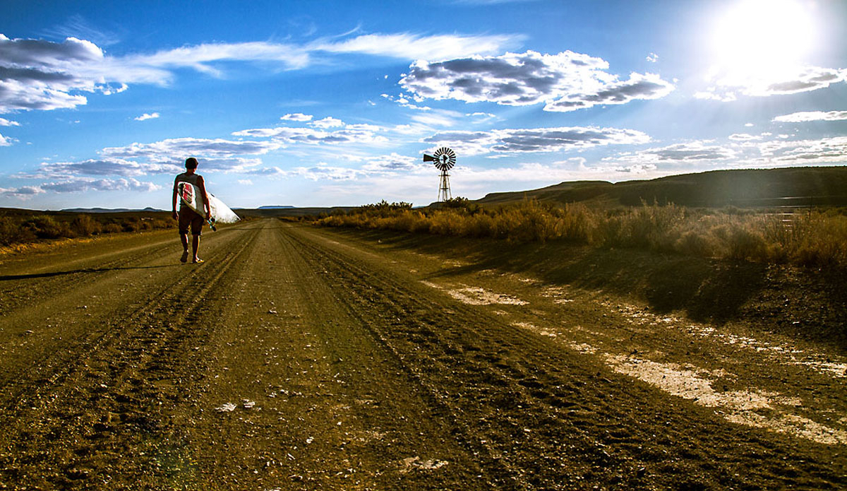 "Long farm roads can lead to gold. Photo: <a href=\""https://www.facebook.com/pages/Pho-Tye-Studio/398591356893177?fref=nf\""> Tyerell Jordaan</a>"