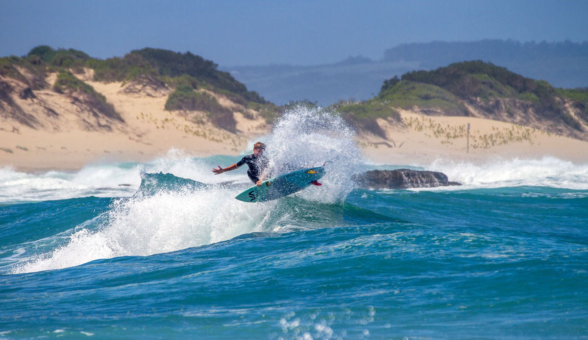 """Simon Fish releases his twinny on a Wild Coast wedge. Photo: <a href=\""""https://www.facebook.com/pages/Pho-Tye-Studio/398591356893177?fref=nf\""""> Tyerell Jordaan</a>"""