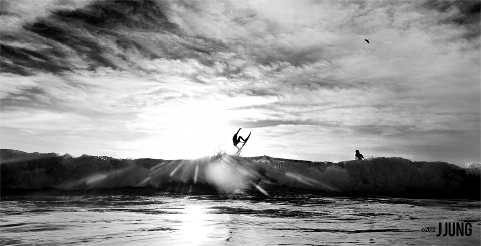 "An unknown surfer. Photo: <a href=""http://jungphoto.com/\"" target=_blank>Justin Jung</a>"