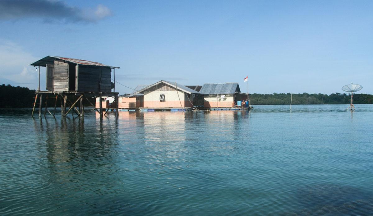 "The floating surf house. Photo: <a href=\""http://www.benbireau.com\""> Ben Bireau</a>"