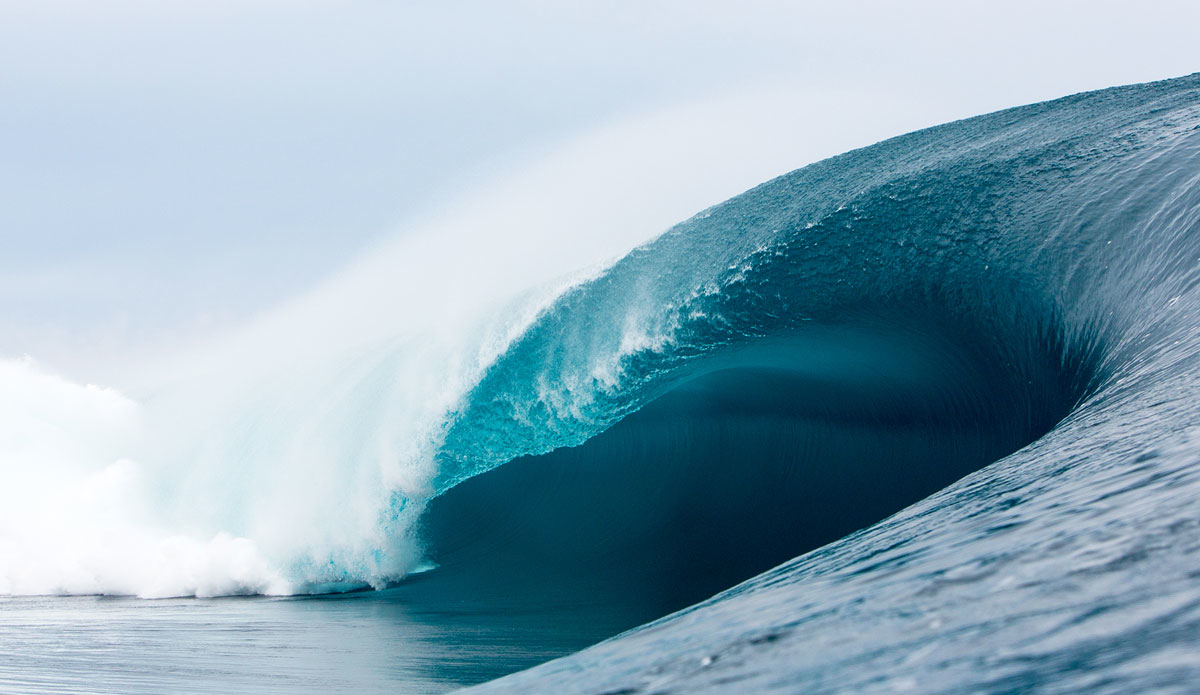 "Teahupoo seemingly unrideable. Photo: <a href=""http://www.sethderoulet.com\"">Seth de Roulet</a>"