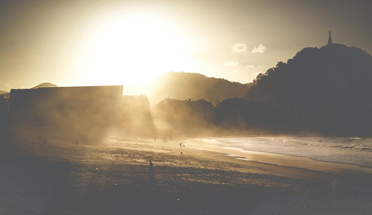 "Misty Zurriola Beach. Photo: <a href=\""http://picsfromwhereyoudratherbe.blogspot.com/\"">Ale Romo</a>"