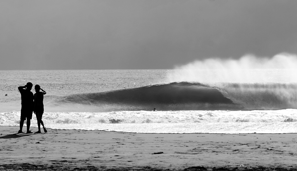 """I really like B&W, but I admit that it\'s very hard to get a good one. This was an evening in Puerto Escondido, just right after the rain when the light began to shine in between the clouds. Very scenic. Image: <a href=\""""http://www.luizblanco.com/Home.html\"""" target=\""""_blank\"""">Blanco</a>"""