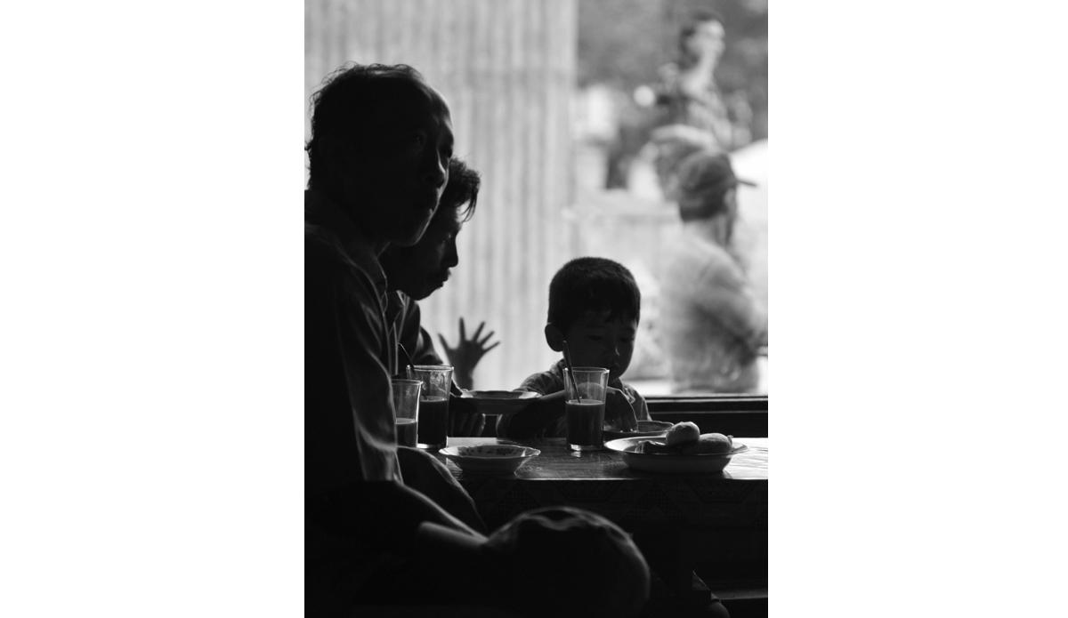 """Breakfast in Telos. Photo: <a href= \""""http://joaobracourt.com/\"""" target=_blank>Joao Bracourt.</a>"""