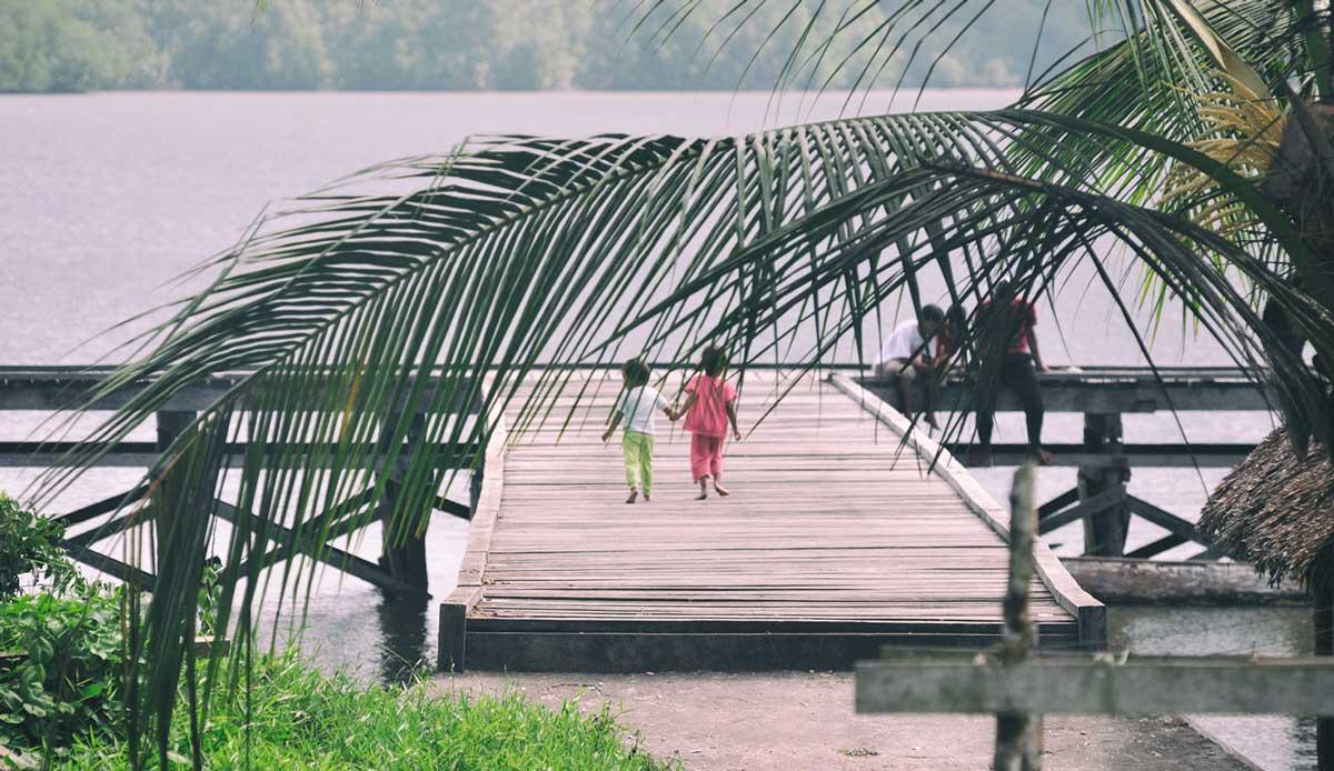 "Young love. Photo: <a href= \""http://joaobracourt.com/\"" target=_blank>Joao Bracourt.</a>"