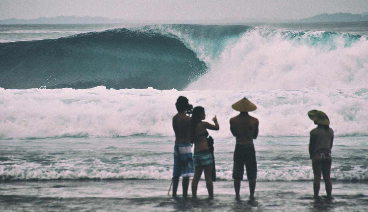 """Telo has some fine waves too. Photo: <a href= \""""http://joaobracourt.com/\"""" target=_blank>Joao Bracourt.</a>"""