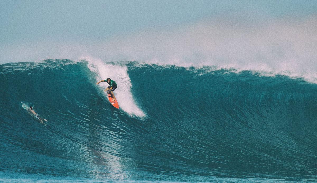 "Hans Hagen on a beast wave at Bankvaults. Photo: <a href= \""http://joaobracourt.com/\"" target=_blank>Joao Bracourt.</a>"