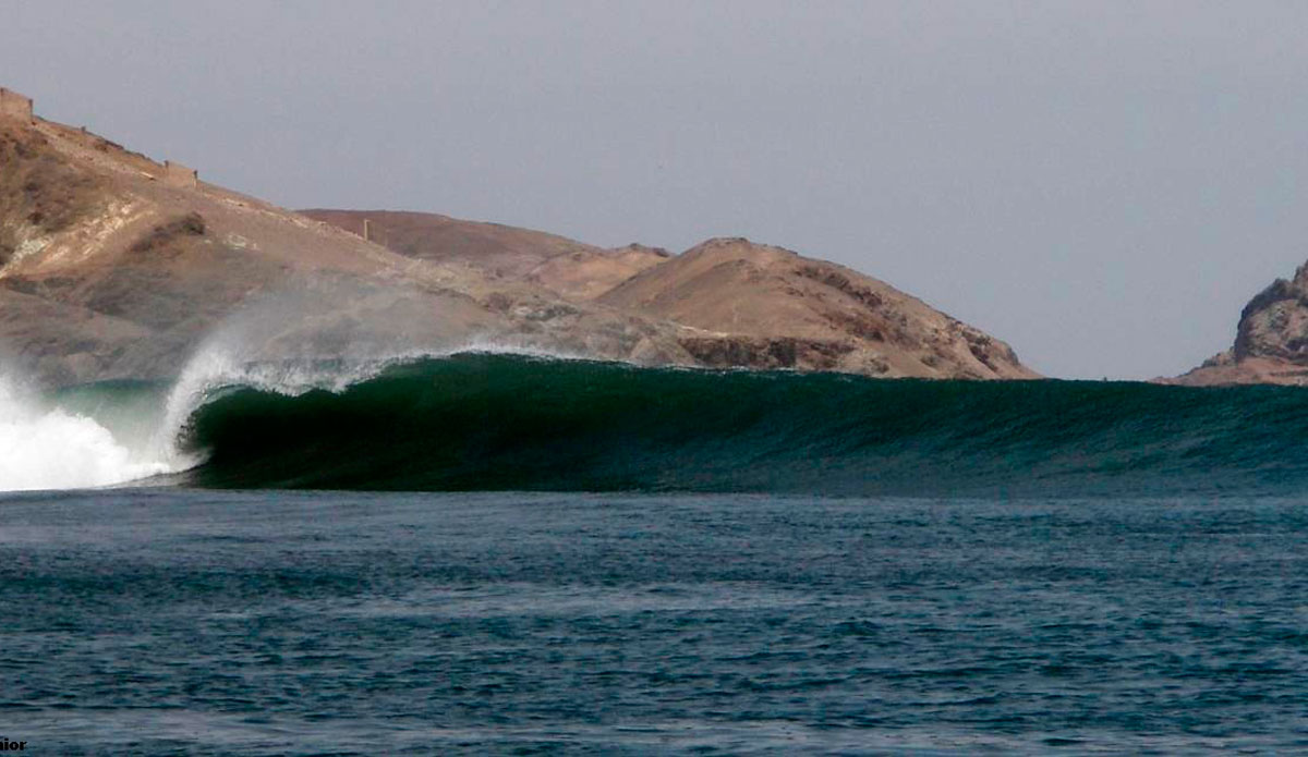 The wave at Chicama has different sections, a few of which produce barrels on the right swell.