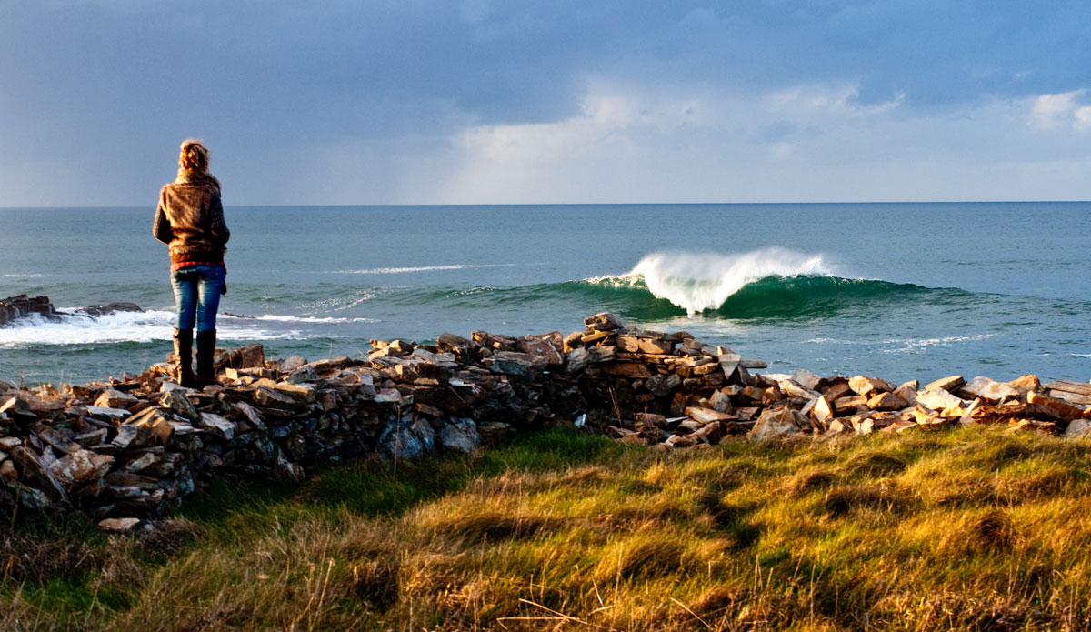 """Galicia is very close to Asturias, and the waves are awesome. Especially during winter. Photo: <a href=\""""http://www.jaiderlozano.com/\"""">Jaider Lozano</a>"""