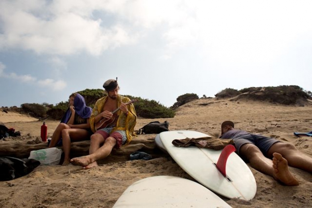 Chilling out on the beach with Dave and friends. Life can be pretty good sometimes. Photo: Bella Vita