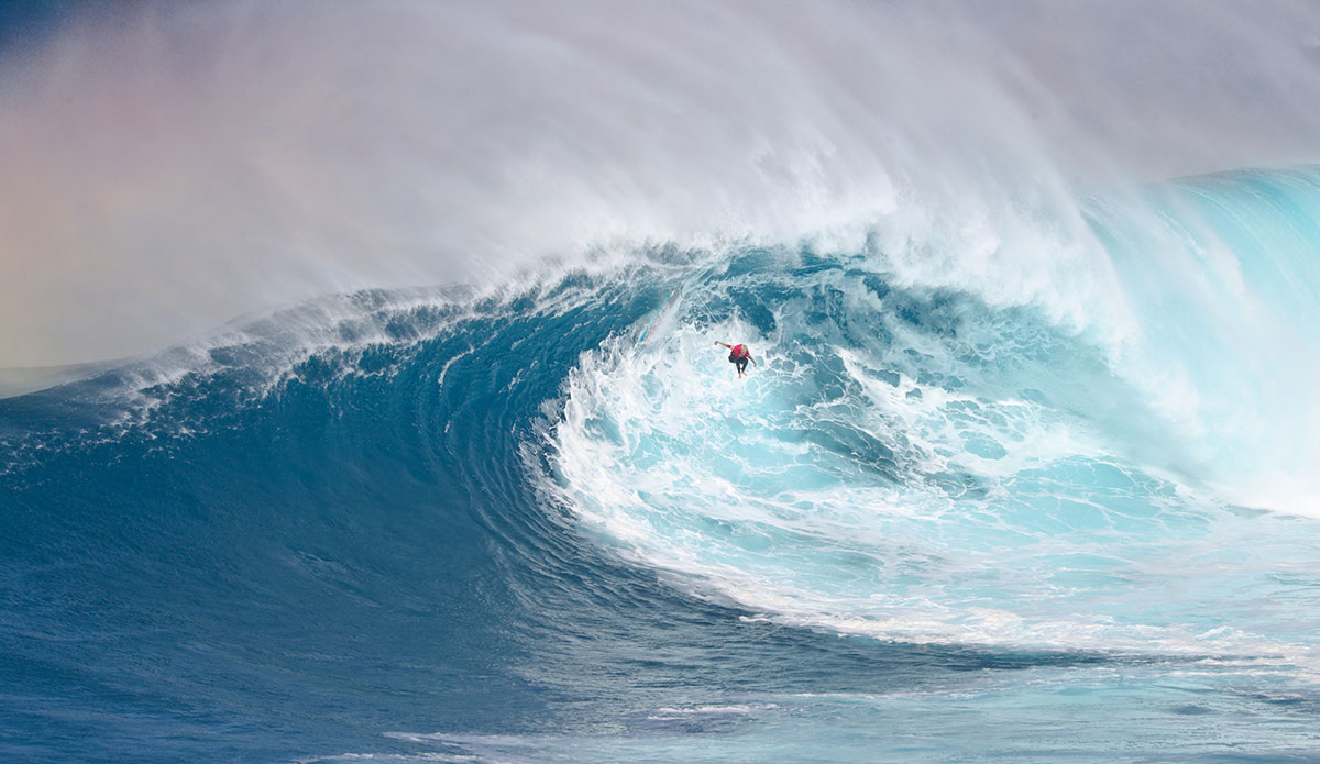 "Keala Kennelly hitting the eject button. Photo: <a href=\""https://www.instagram.com/aaronlynton/\"">Aaron Lynton</a>"