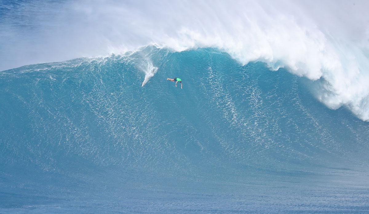 "Lucas Chianca goes off the high dive. Photo: <a href=\""https://www.instagram.com/aaronlynton/\"">Aaron Lynton</a>"