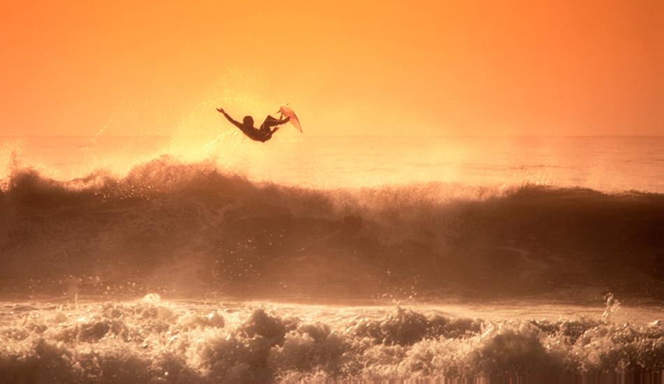 "You don\'t need great conditions to get great images… just a great surfer. Photo: <a href=\""http://www.jorgeibáñez.com\""> Jorge Ibáñez</a>"
