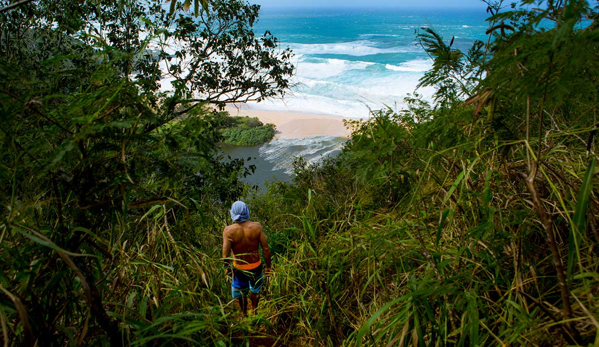 """Tom Curren searching. Photo: <a href=\""""http://jungphoto.com/\"""">Justin Jung</a>"""