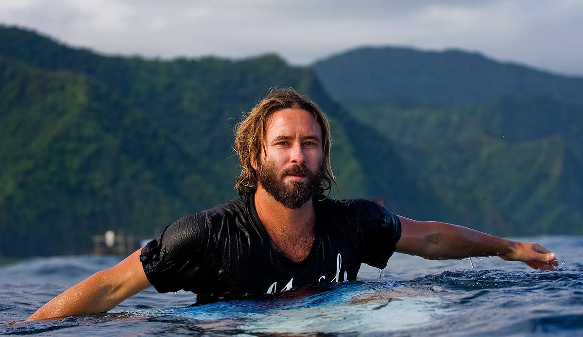 "ASP judge Pritamo Ahrendt enjoying the down time in Tahiti. Photo: <a href=\""http://www.kirstinscholtz.com/\"">Kirstin Scholtz</a>"
