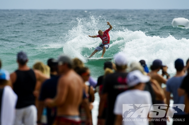 Kelly\'s signature cutback at Snapper. Photo: ASP