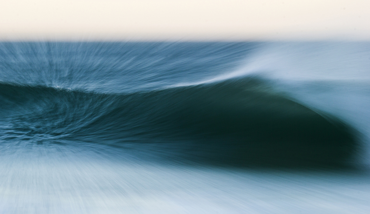 I love the texture in the side of this wave. Photo: Luiz Blanco