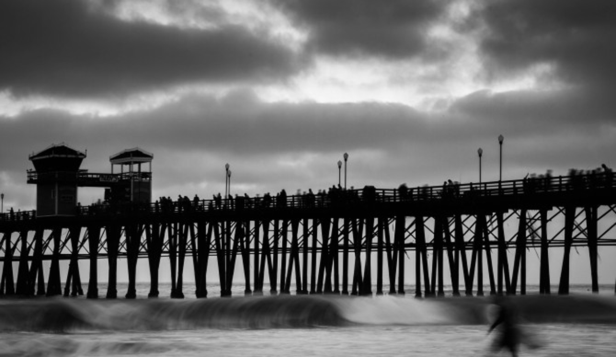 Just as the sun was going down, the pier is at its busiest.