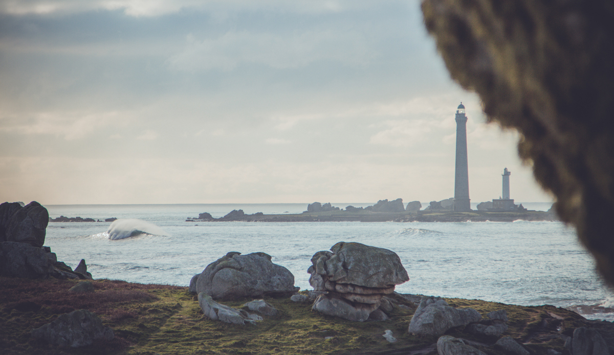 "Phare de l'Île Vierge. Photo: <a href=""http://www.mathieulodin.com\"">Mathieu Lodin</a>"