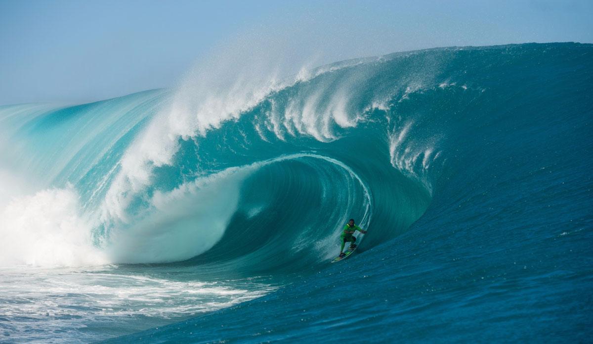 "Pato Texeia holding on tight. Photo: <a href=\""http://www.timmckennaphoto.com/\"">Tim McKenna</a>"