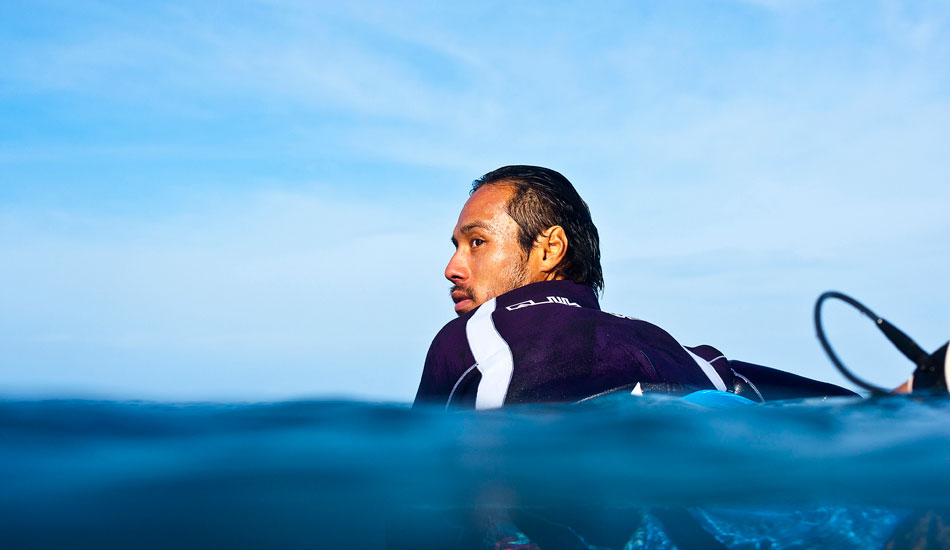 "Mar Ono waiting his turn at Pipe. I\'ve seen Mar do some pretty crazy things in my time, but I dig this shot. He looks super chilled in amongst all the mayhem that is Pipe. Photo: <a href=""http://www.natesmithphoto.com/\"" target=\""_blank\"" title=\""Nate Smith Surf Photos\"">Nate Smith</a>"