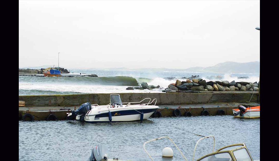 """Norway harbour wave. Image: <a href=\""""http://www.timnunn.co.uk\"""" target=\""""_blank\"""">Nunn</a>"""
