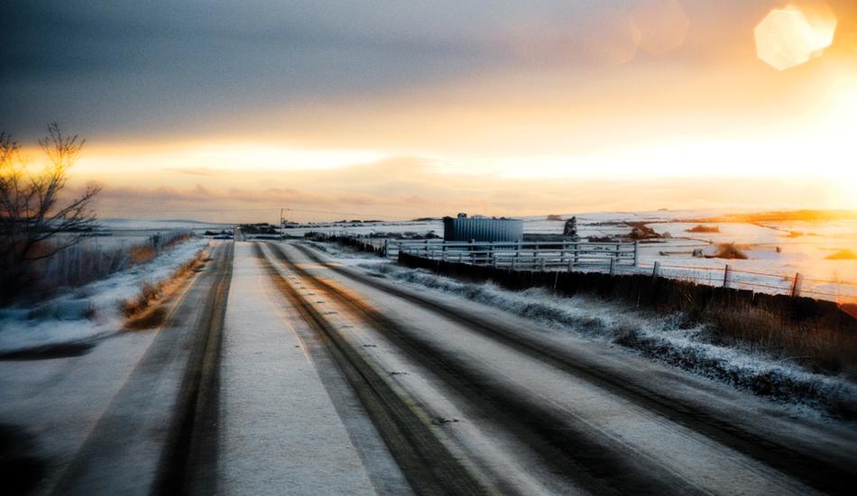 "Scotland snow road. Image: <a href=\""http://www.timnunn.co.uk\"" target=\""_blank\"">Nunn</a>"