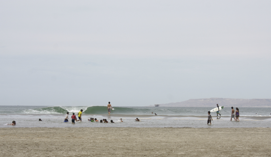 """One morning at Generales everyone was loving summer, with warm water and perfect waves.   Photo:  <a title=\""""Henry Espinoza Photography\"""" href=\""""https://www.facebook.com/HenryEspinozaPhotography\"""" target=\""""_blank\"""">Henry Espinoza</a>"""