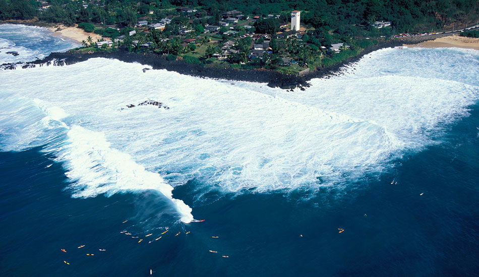 "Aerial overview of Waimea Bay, North Shore, Hawaii. Photo: <a href=""http://seandavey.com//\"" target=_blank>Sean Davey</a>"