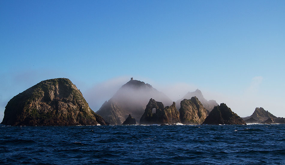 """Mist clings to the top of SE Farallon, trying to hide the structure.Photo: <a href=\""""http://instagram.com/migdailphoto\""""> Seth Migdail</a>"""