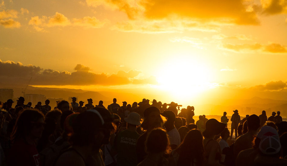 "As the sun set, the crowds hung around. Photo: <a href=""http://instagram.com/jamesboothphoto\"">James Booth</a>/<a href=\""http://instagram.com/charliehardy\"">Charlie Hardy</a>"