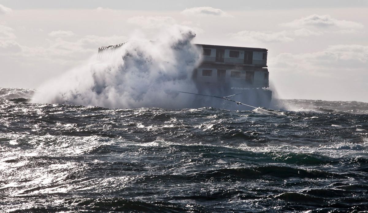 "Wave. Photo: <a href=\""http://www.stephenmallon.com/\"">Stephen Mallon</a>"
