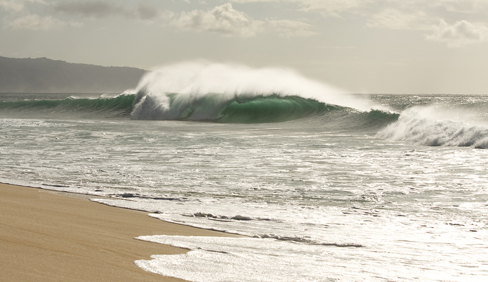 """It\'s not often a wave goes by unridden on the North Shore, however this wave managed to go by without anyone on it. Image: <a href=\""""http://www.vincestreet.com\"""" target=\""""_blank\"""">Street</a>"""