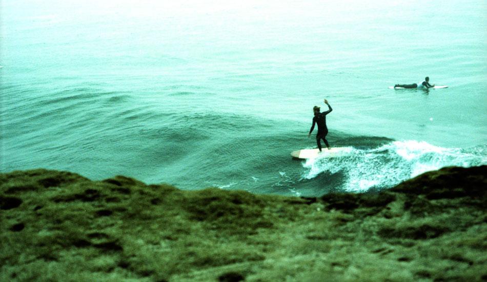 "Chris Del Moro finds a peak on a fun little plank. Photo: <a href=\""http://www.ryantatar.com\"" target=\""_blank\"">Ryan Tatar.</a>"