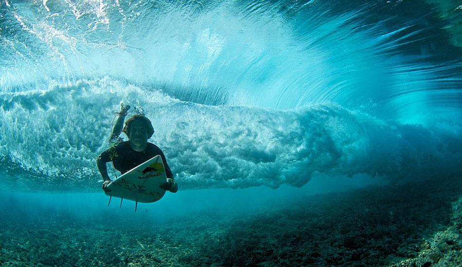 "Kai Lenny duckdiving in Tahiti. Photo: <a href=\""http://www.timmckennaphoto.com/\"" target=_blank>Tim McKenna</a>."