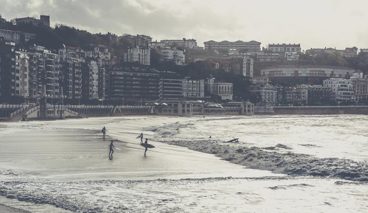 "La Concha bay, San Sebastian. Photo: <a href=\""http://aleromomar.tumblr.com\""> Ale Romo</a>"