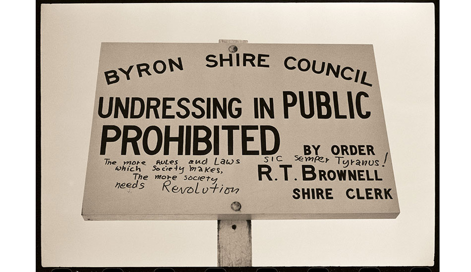 Byron sign – 1970 I ran this picture with a story in Tracks in the very early 1970s and it fitted the anti-authority ethos of that publication pretty well (not that too many of our readers understood Latin). Photo: Witzig