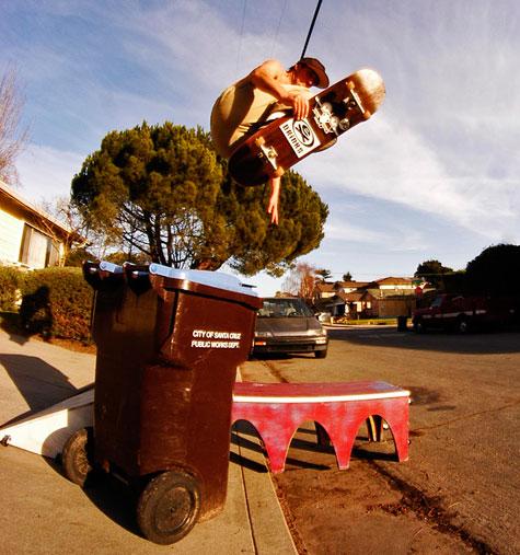 Zoltan skateboard trashcan kickflip