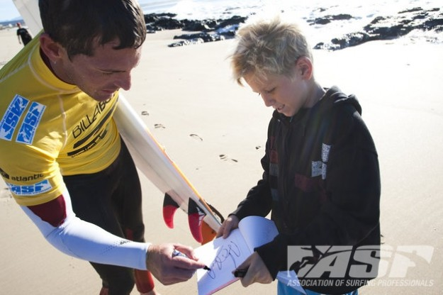 Andy Irons Signs Autographs at Jeffreys Bay