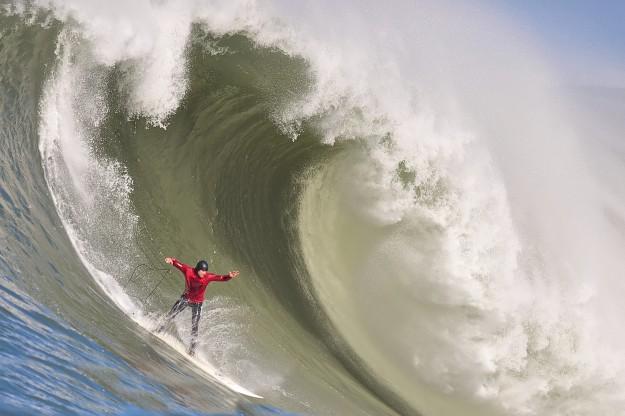 Surf Maverick's Big Wave