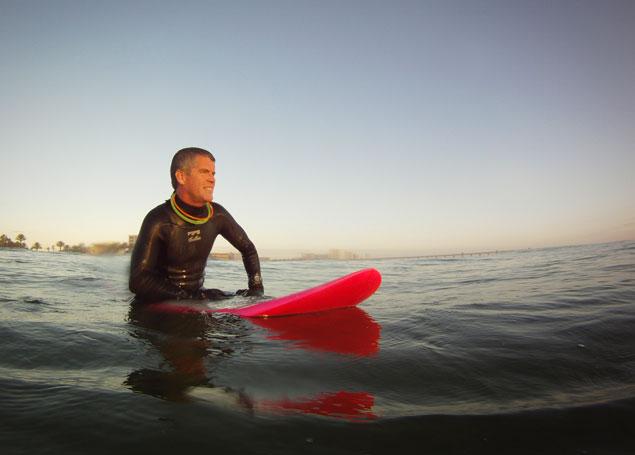 Kurtis Loftus breaks world record for longest surf session