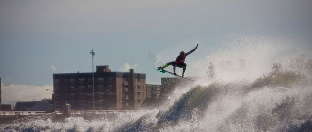 Despite significant buzz and surprisingly accomodating conditiions in 2011, the ASP and Quiksilver announced the cancellation of the Quiksilver Pro New York in 2012. Photo: ASP/Rowland