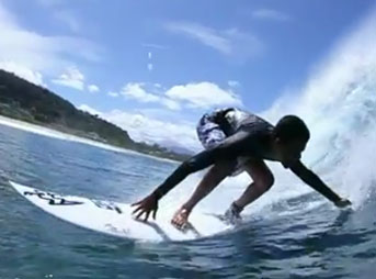 Blind surfer Derek Rabelo surfs Pipeline with Makua Rothman and a crew of North Shore locals. Like.
