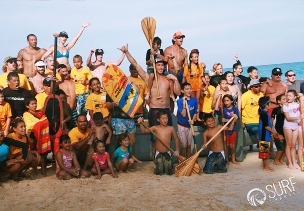 Group photo on Bellow's Beach. Stoked for Surf Day! Photo: Surf Channel/Shannon Q