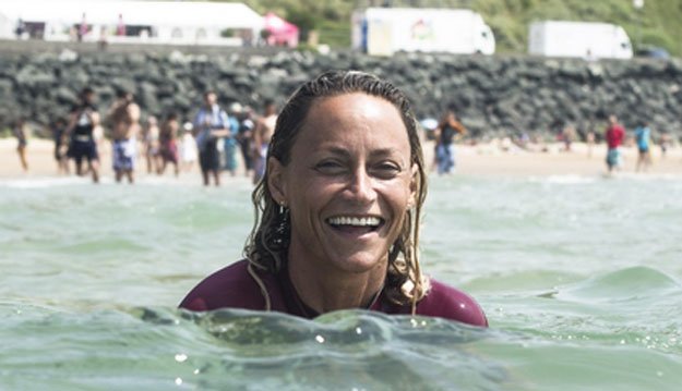 Lisa Anderson, raddest surfing mom ever. Photo: ASP/Poullenot/AQUASHOT