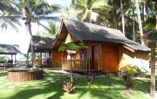 The hand built family cottages at Bamboo Garden offer one of the best beachfront bargains you can find.