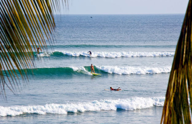 El Anclote is a perfect family surf break, easy going waves and plenty of them.