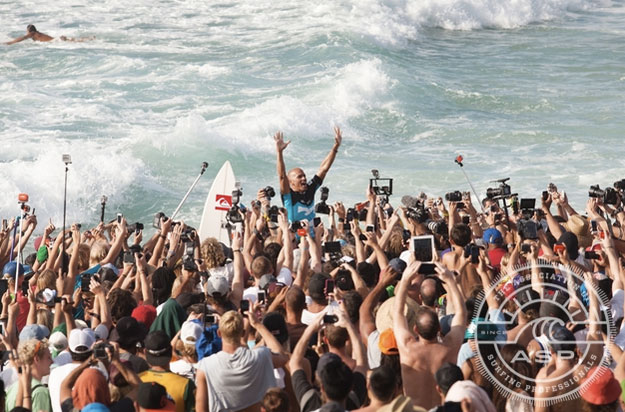 Kelly Slater, in a familiar postion. He'll be back for more next year. Photo: ASP / Cestari